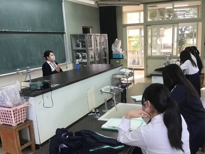 県内高等学校への出前講座授業に講師として参加